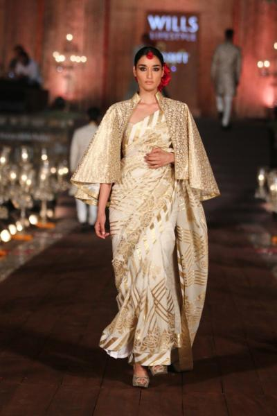 Fashion Trend Alert 2016: Saree with Capes